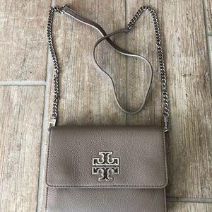 NWT Tory Burch Chain Wallet